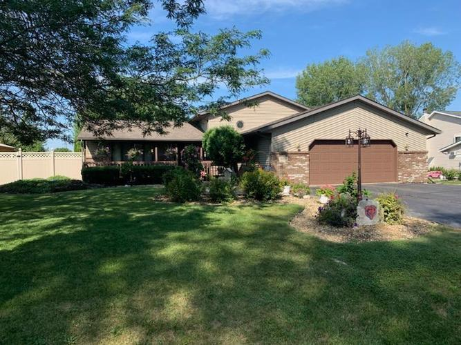 560 N 250  Valparaiso, IN 46385 | MLS 460850