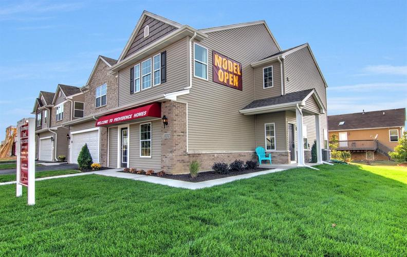 11193 Pike Place Crown Point IN 46307 | MLS 460919 | photo 1