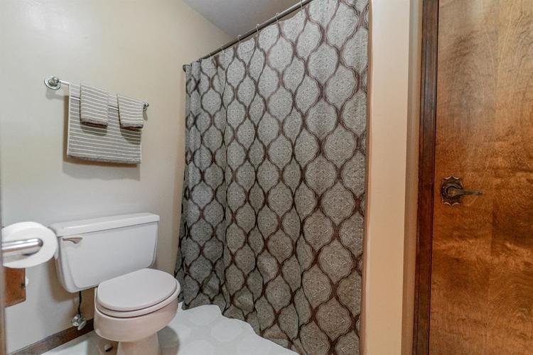 8582 E 94th Court Crown Point, IN 46307 | MLS 460968 | photo 21