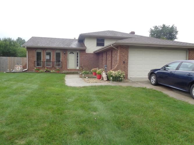 4139 W 73rd Place Merrillville, IN 46410 | MLS 461586 | photo 1