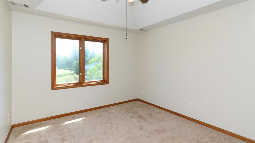 391 N 475 W Valparaiso, IN 46385 | MLS 462188 | photo 24