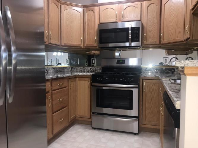 2009 W 75th Place #36 Merrillville, IN 46410 | MLS 462189 | photo 7