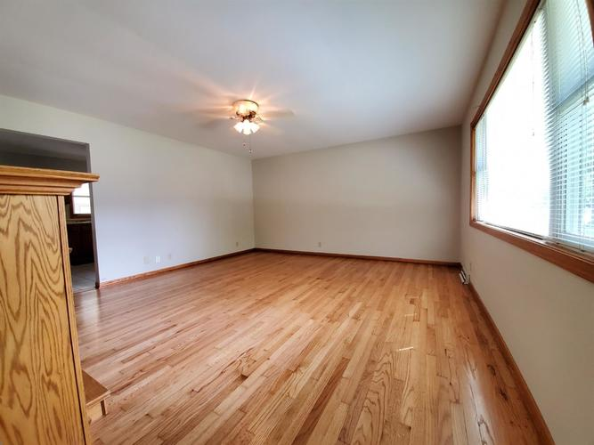 3334 W 79th Place Merrillville, IN 46410 | MLS 462272 | photo 3