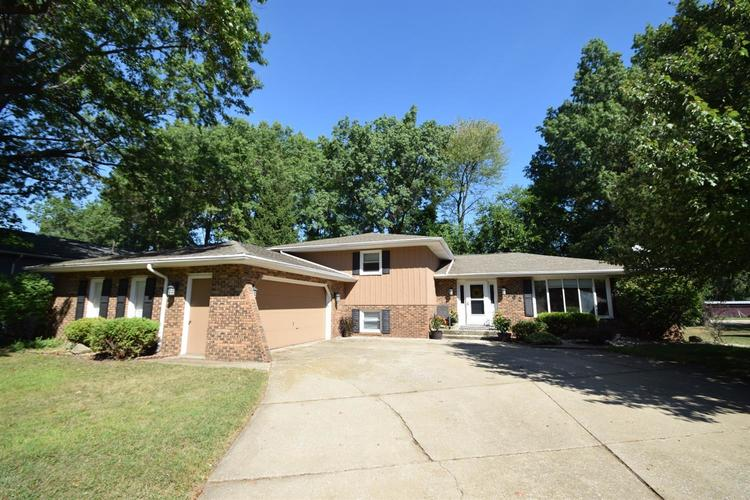 762  Dunewood Drive Chesterton, IN 46304 | MLS 462492