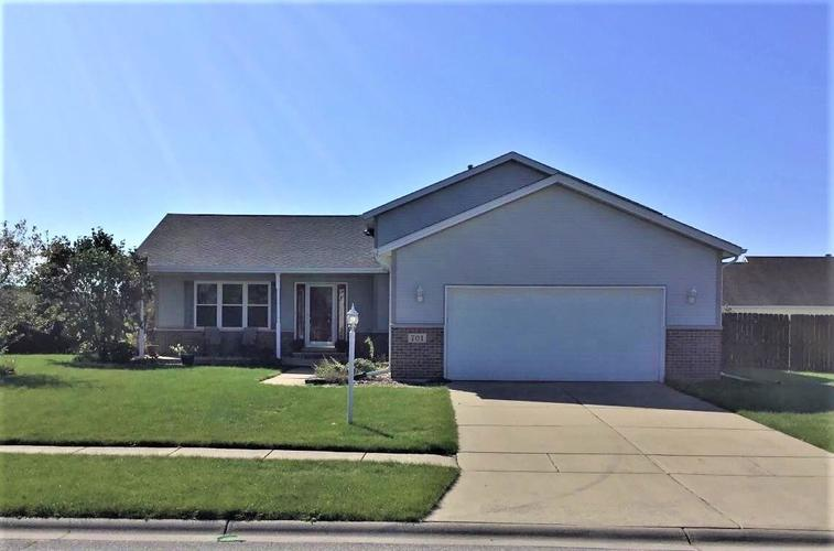 701  Longwood Drive Lowell, IN 46356 | MLS 463050