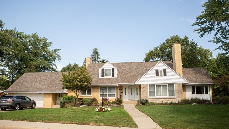 7048 Knickerbocker Parkway Hammond, IN 46323 | MLS 463190 | photo 2
