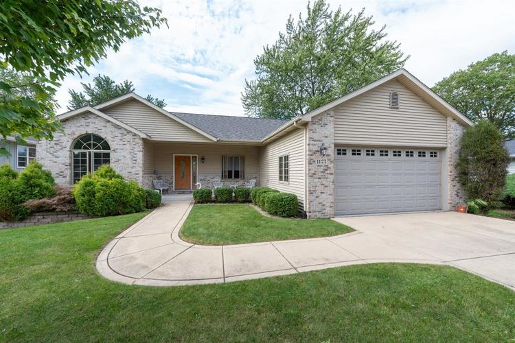 1127  Country Club Drive Crown Point, IN 46307 | MLS 463382
