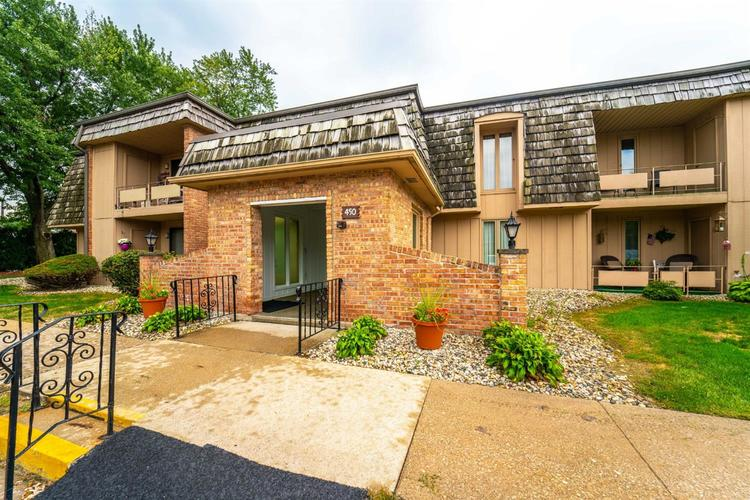 450  Old Stone Road Munster, IN 46321 | MLS 463286