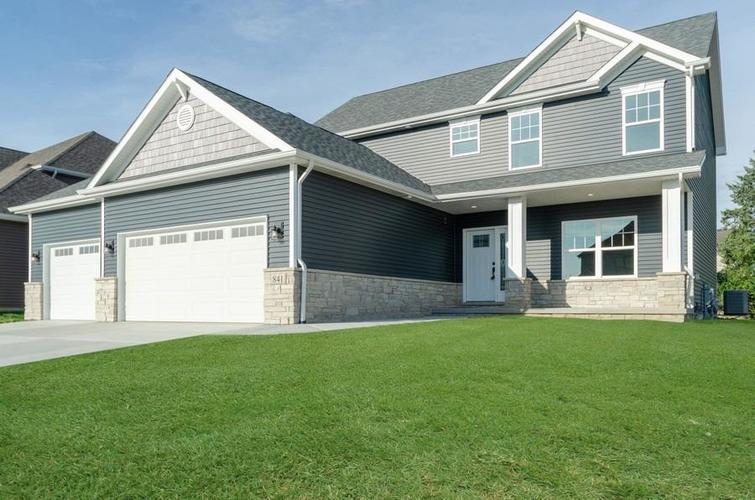 841 Highlands Drive Crown Point IN 46307 | MLS 463781 | photo 1