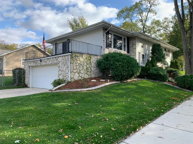 401  Fairview Avenue Crown Point, IN 46307 | MLS 465112