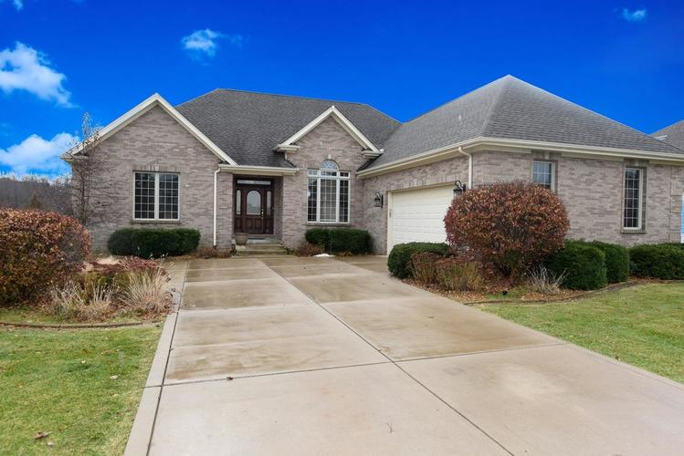8737 Doubletree Drive S Crown Point, IN 46307 | MLS 466327 | photo 1
