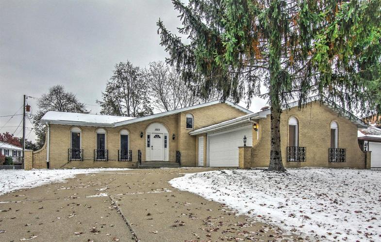 1523 W 95th Avenue Crown Point IN 46307 | MLS 466330 | photo 1