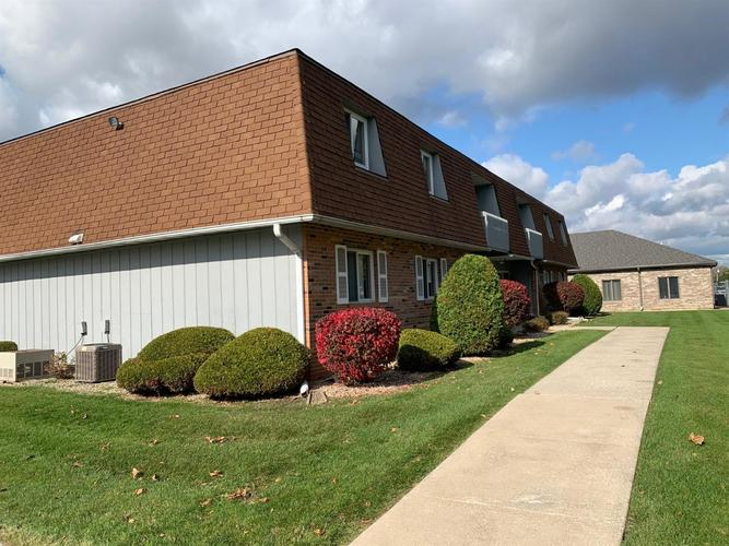 2441 Harvest Drive #4 Crown Point, IN 46307 | MLS 466835 | photo 2