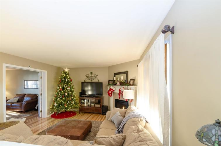 1741 E 106th Place Crown Point, IN 46307 | MLS 466919 | photo 5