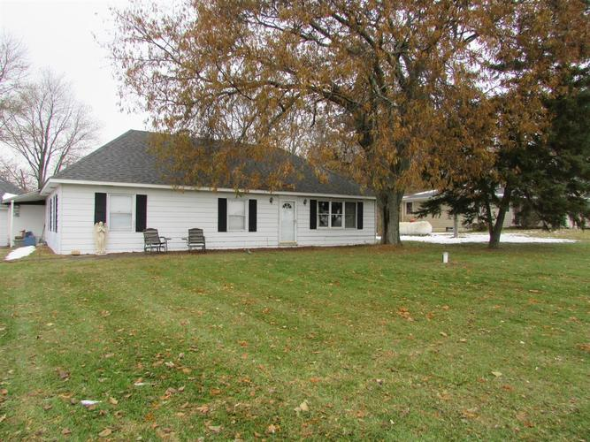 468 N State Road 2 Valparaiso IN 46383 | MLS 467409 | photo 1