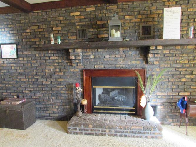 468 N State Road 2 Valparaiso IN 46383 | MLS 467409 | photo 4