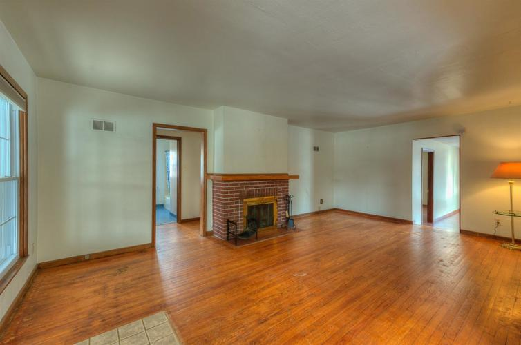 7809 State Line Avenue Munster, IN 46321 | MLS 467422 | photo 3