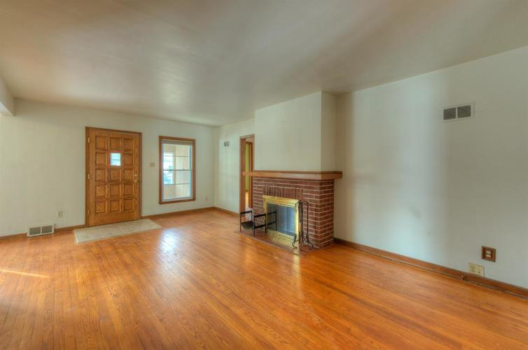 7809 State Line Avenue Munster, IN 46321 | MLS 467422 | photo 4