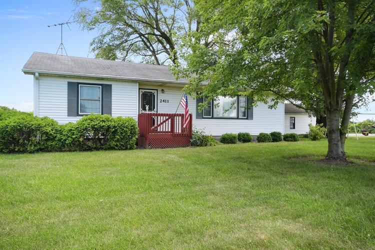 2411 E 109th Avenue Crown Point, IN 46307 | MLS 467848 | photo 2