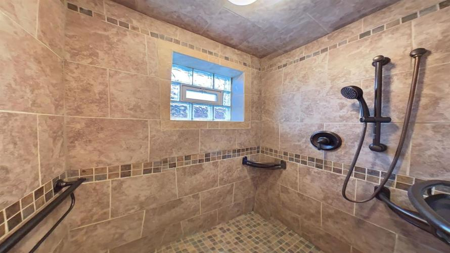 8144 Euclid Avenue Munster, IN 46321 | MLS 468450 | photo 12
