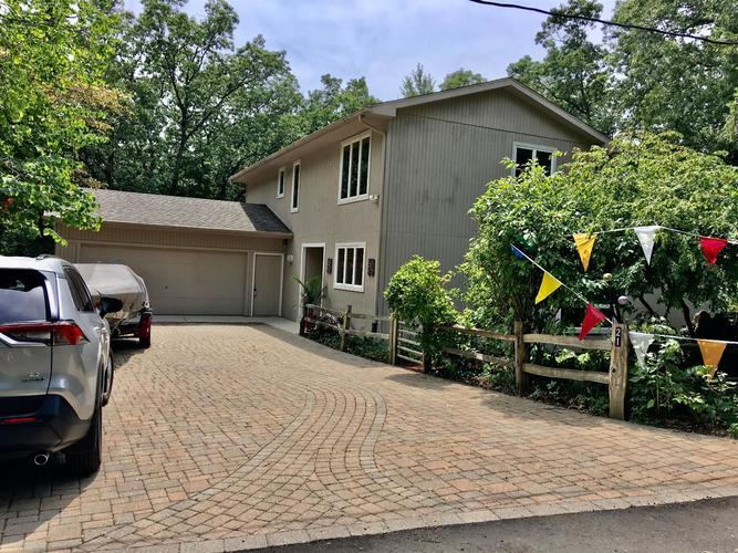 21 E Atwater Avenue Beverly Shores IN 46301 | MLS 468690 | photo 1
