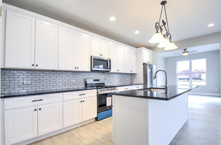 4459 W 77th Avenue Merrillville IN 46410 | MLS 468659 | photo 9