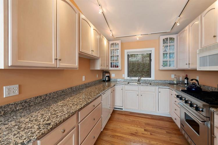 337 E Lake Front Drive Beverly Shores IN 46301 | MLS 469147 | photo 10