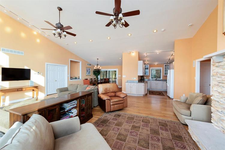 337 E Lake Front Drive Beverly Shores IN 46301 | MLS 469147 | photo 6