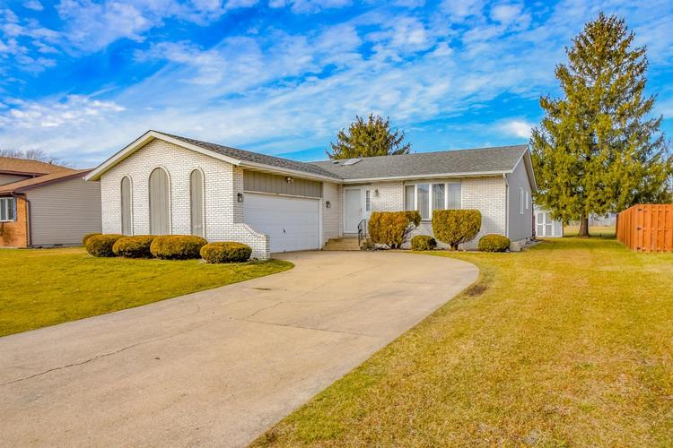 1650 W 99th Court Crown Point IN 46307   MLS 469397   photo 2