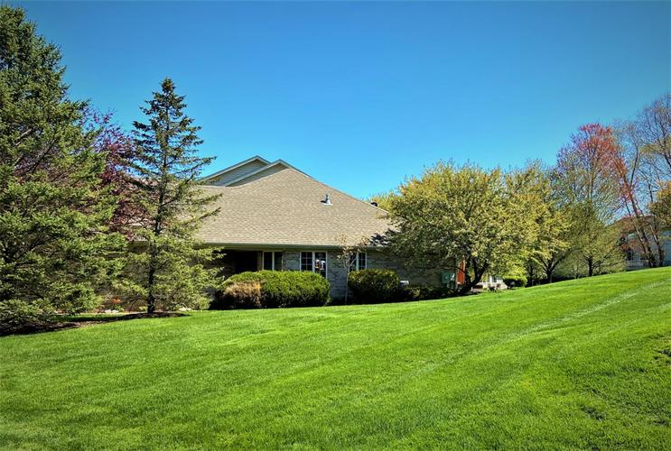 1055 Mission Hills Court Chesterton IN 46304 | MLS 469629 | photo 1