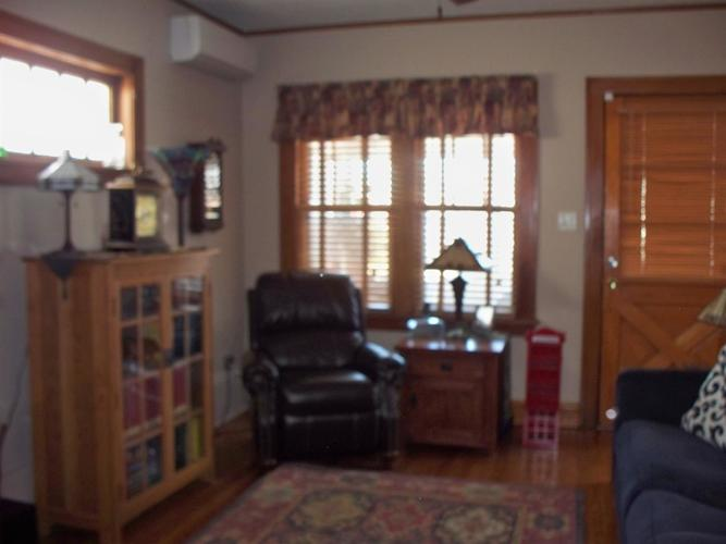 1428 Parkview Avenue Whiting, IN 46394 | MLS 470431 | photo 2