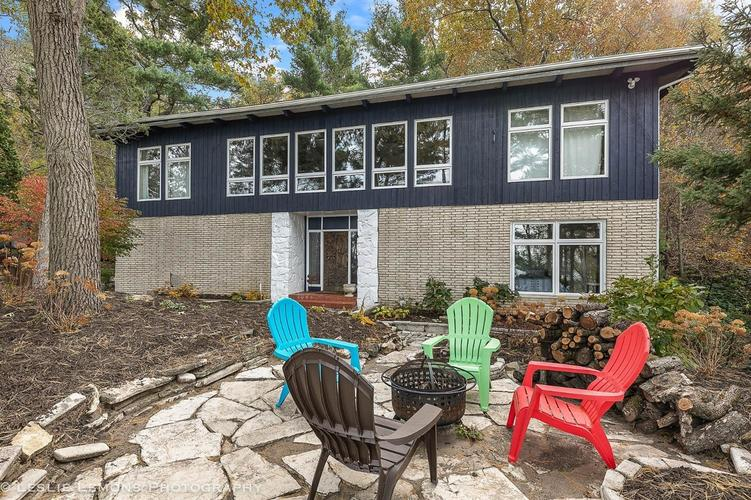 523 E Lake Front Drive Beverly Shores IN 46301 | MLS 470452 | photo 1