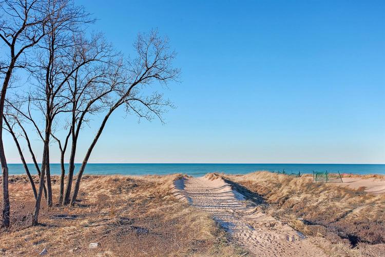 110 Whisper Dunes Michigan City IN 46360 | MLS 470852 | photo 1