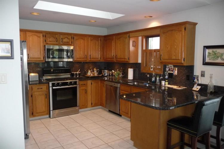 3948 S Lakeshore Drive Crown Point IN 46307 | MLS 470883 | photo 2