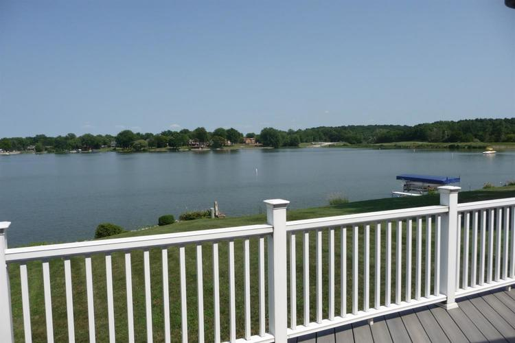 3948 S Lakeshore Drive Crown Point IN 46307 | MLS 470883 | photo 3