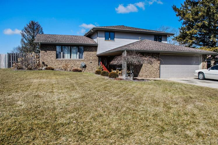 8810 Clark Place Crown Point IN 46307 | MLS 471109 | photo 1