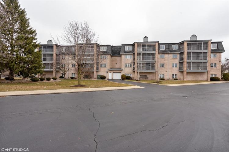 8220 Harrison Avenue #308 Munster, IN 46321 | MLS 471630 | photo 2