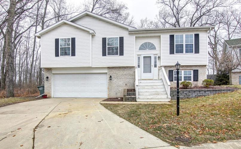 810 Galway Drive Valparaiso, IN 46385 | MLS 471616 | photo 2