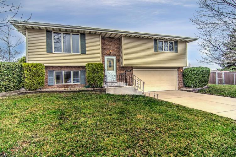 2705 Harvest Drive Crown Point, IN 46307 | MLS 472032 | photo 1