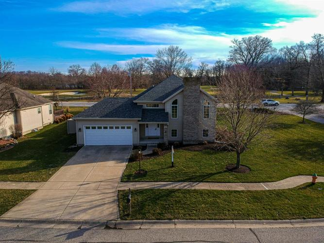 1511 Colonial Drive Chesterton IN 46304 | MLS 472200 | photo 2