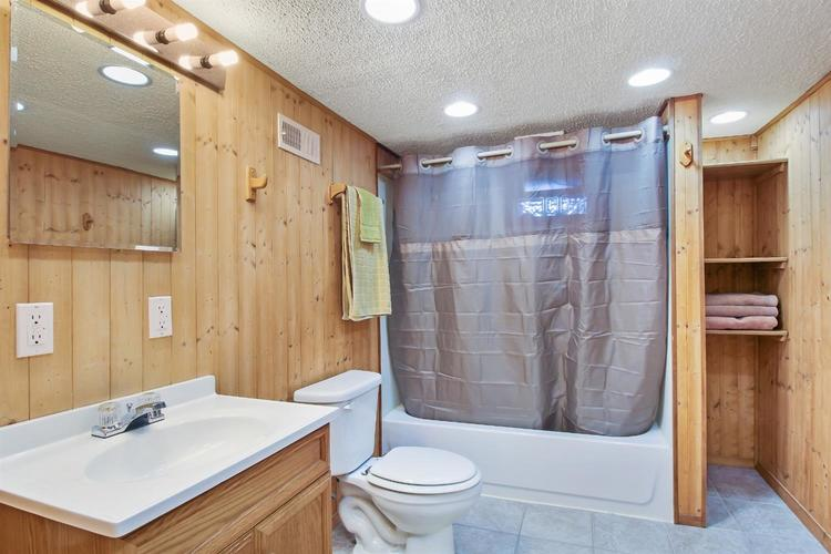 2619 163rd Place Hammond, IN 46323 | MLS 472249 | photo 15