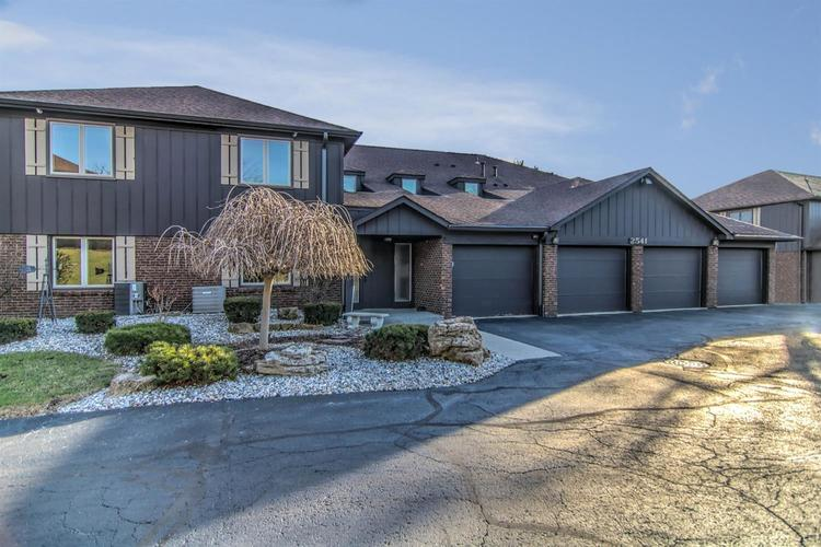 2541 E Lakeshore Drive Crown Point IN 46307 | MLS 472401 | photo 1