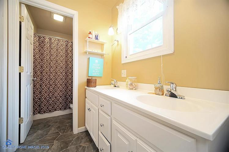 928 15th Avenue NW DeMotte IN 46310 | MLS 472515 | photo 8