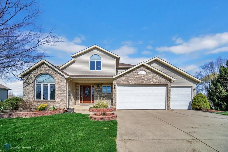 7322 E 107th Court Crown Point IN 46307 | MLS 472441 | photo 1