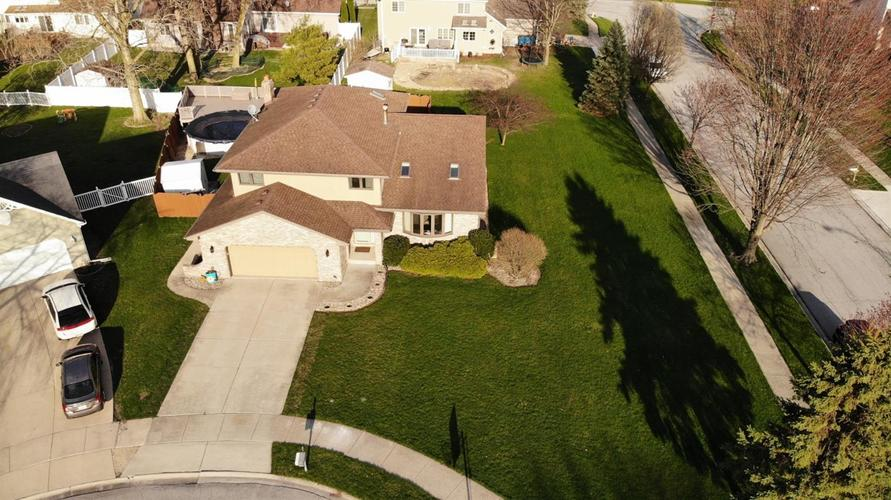 2833 Lindee Circle Dyer IN 46311 | MLS 473348 | photo 1
