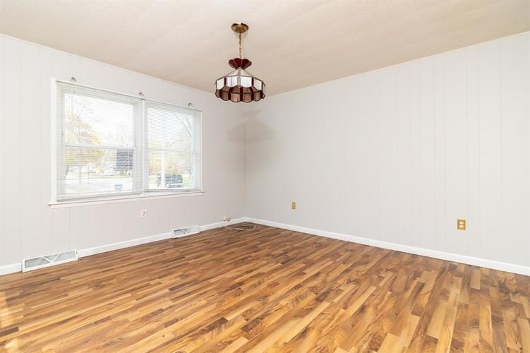 332 Minter Drive Griffith IN 46319 | MLS 473611 | photo 12