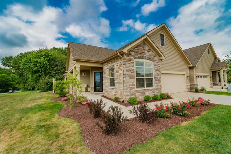 2726 Rustic Crooked Circle Valparaiso IN 46385 | MLS 473708 | photo 2