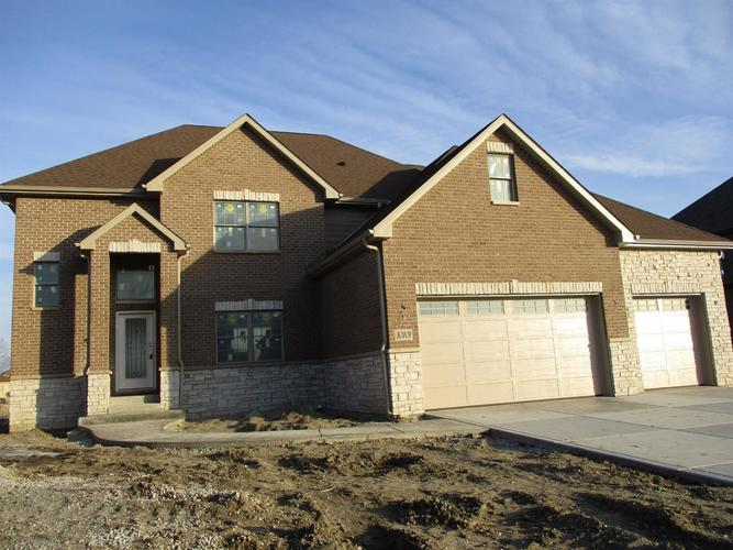 8233 Castle Drive Munster IN 46321 | MLS 473325 | photo 2