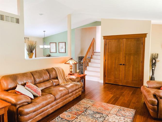 2166 Greenvalley Drive Crown Point IN 46307 | MLS 474397 | photo 6