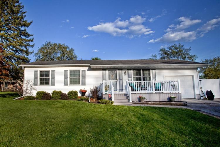 17421 Willowbrook Drive Lowell IN 46356 | MLS 474355 | photo 1